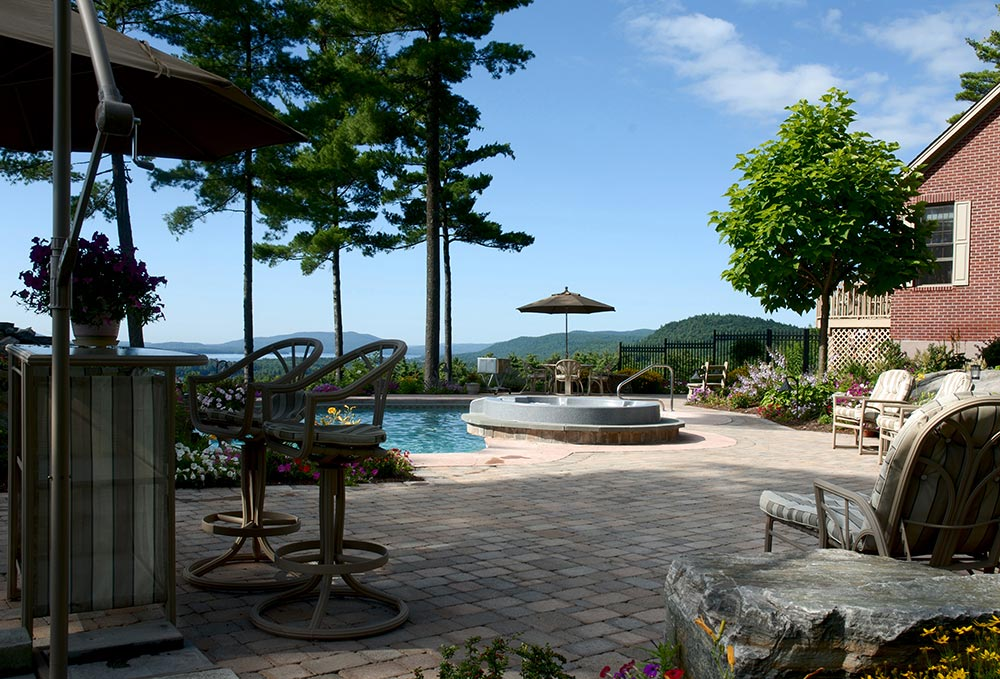 Summer in Lake George, poolside bar, hot tub, lounge by the pool